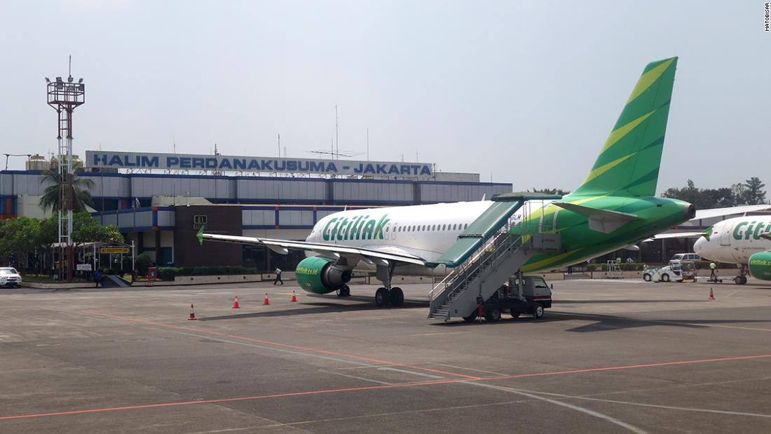 Covid-positive man disguises himself as wife on Citilink flight in order to fly
